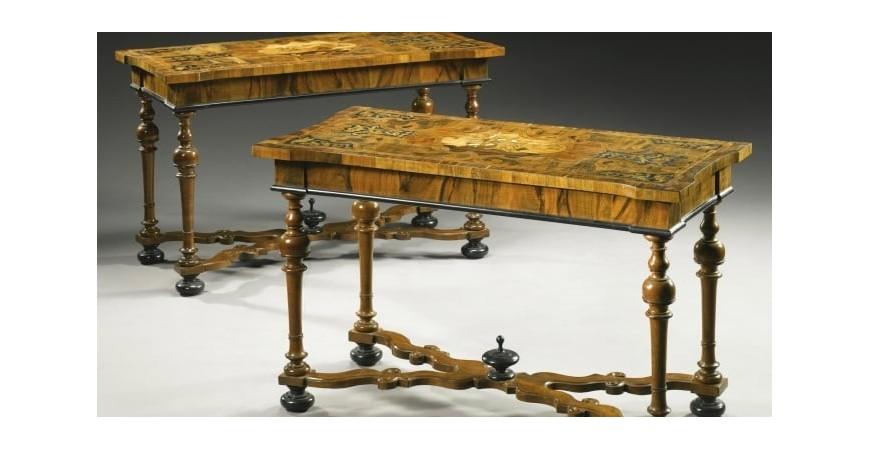 Антикваріат Маріуполя: старовинні меблі